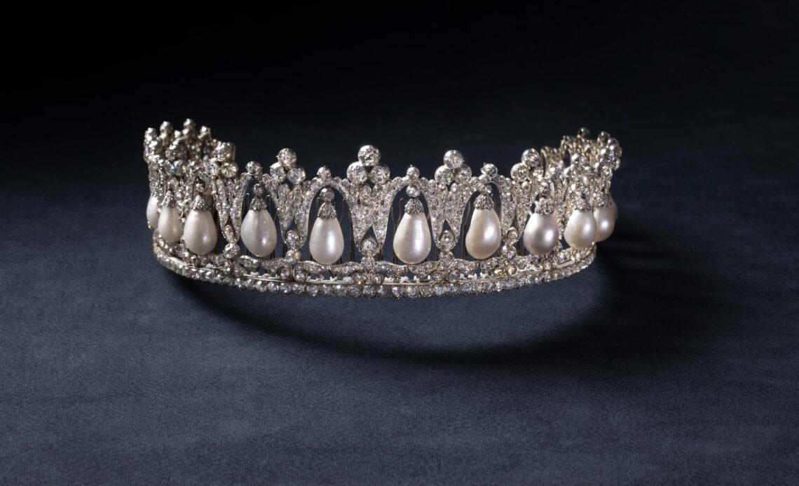 Pearl Poire Tiara (only to be used in connection with exhibition)